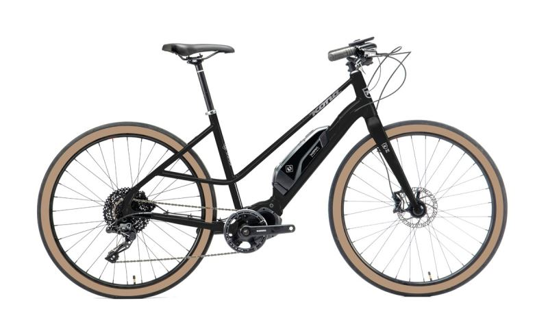 KONA Ecoco Gloss Metallic Black w/ Metallic Silver Decals